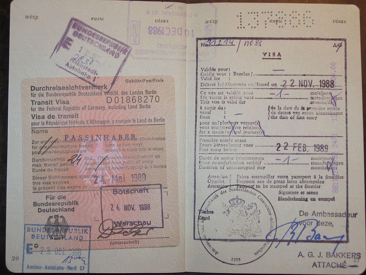Formulario de Inscripción Foto tamaño pasaporte Pasaporte válido con una página entera en blanco Billete de regreso Evidencia de solvencia económica durante su estancia Comprobante del propósito de tu visita Pago de la tasa de visado Seguro