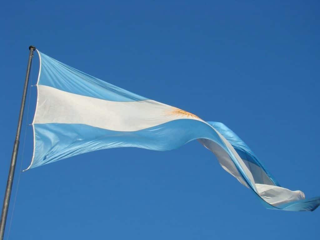 requisitos para nacionalidad argentina por naturalización en colombia