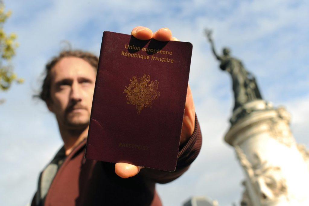 requisitos para nacionalidad francesa por residencia en chile